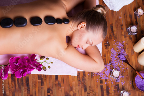 relaxing spa treatments - 80102650