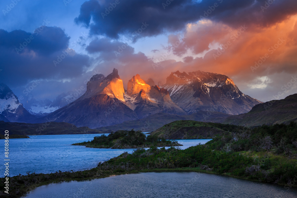 Photo & Art Print Lago Pehoe, National Park Torres del Paine