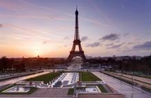 Eiffel Tower And Fountain At Jardins Du Trocadero At Sunset, Par