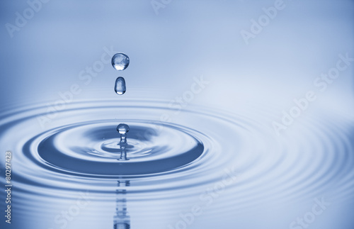 Spoed Foto op Canvas Water water bubbles in blue