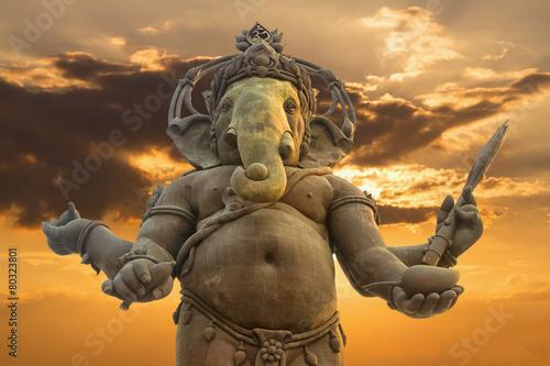 Fotografiet  Ganesha, Hindu God statue