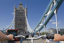 Tower-Bridge London Mit Fahrrad