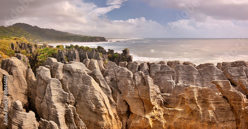 Montage in der Fensternische Neuseeland Pancake Rocks, New Zealand - long time exposure