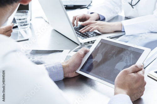 Doctors have the electronic tablet