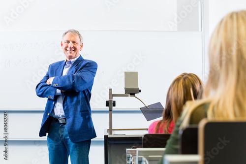 Obraz na płótnie Uni Professor hält vorlesung in Uni