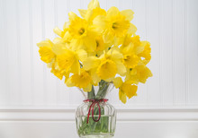 Daffodils In A Vase In Rustic ...