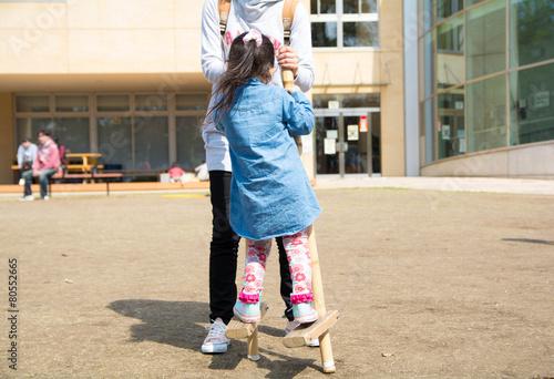 Fotografia, Obraz  親子で竹馬練習