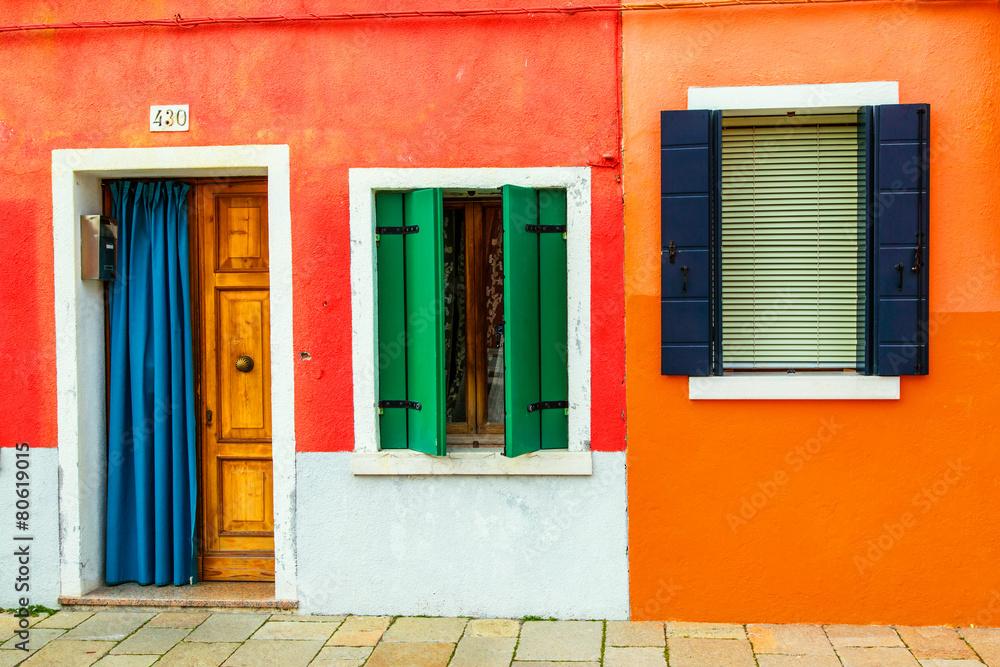 Leinwandbild Motiv - Goodpics : beautiful colorful small houses in Burano island near Venice Ita