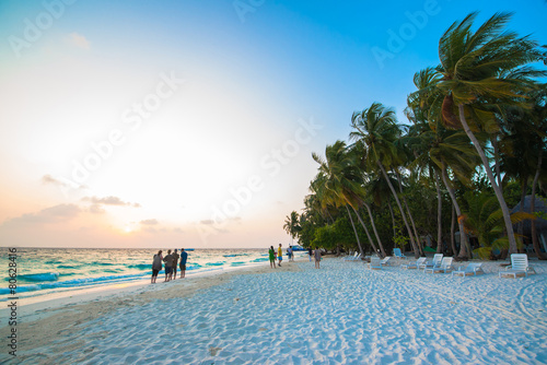 Canvas Print Sand beach and ocean wave, South Male Atoll. Maldives