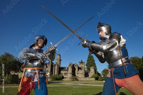 Fotografie, Obraz  Kampf zweier Ritter vor der Löwenburg