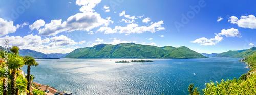 Papiers peints Alpes Lago Maggiore Panorama Blick auf die Brissago Inseln