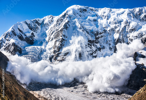 Tela Power of nature. Avalanche in the Caucasus
