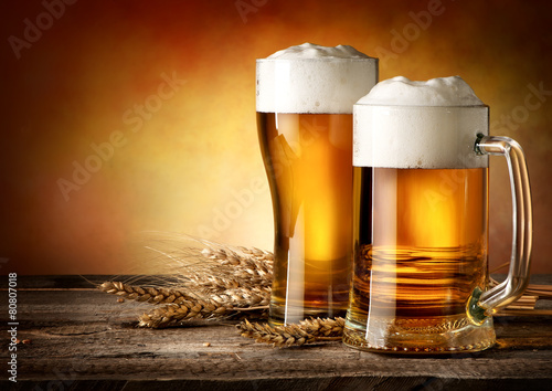 Tuinposter Alcohol Two mugs of beer