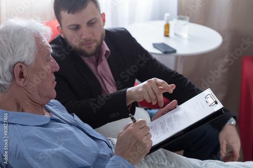 Fototapeta  Signing last will and testament