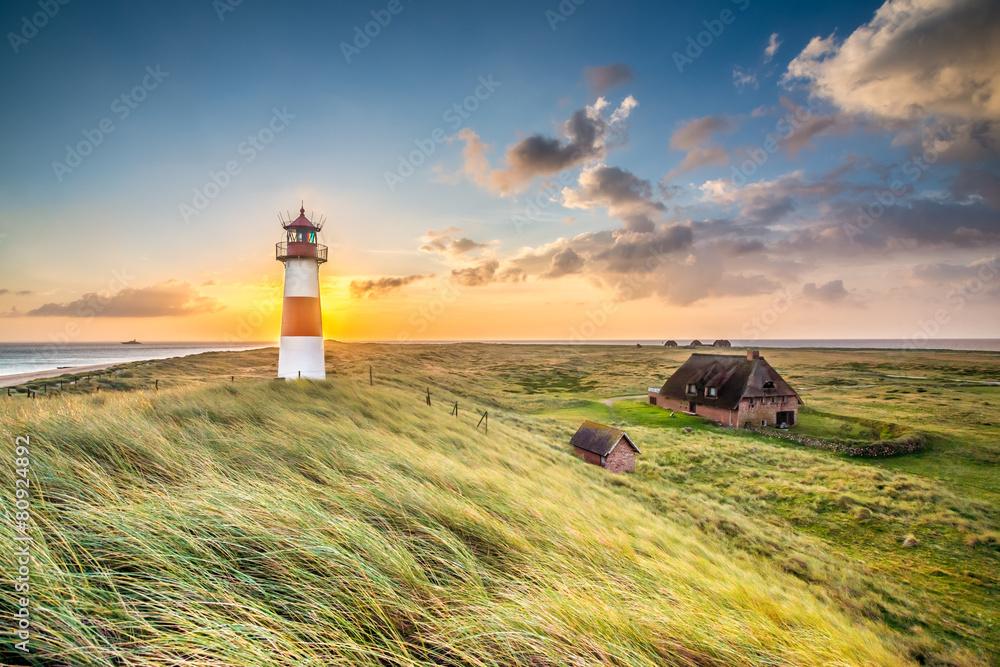 Fototapety, obrazy: Leuchtturm in List auf Sylt am Ellenbogen