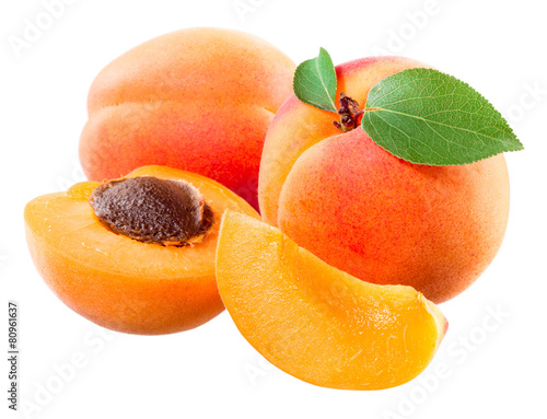 Fotografía Apricot. Fruit with half and slice isolated on white.