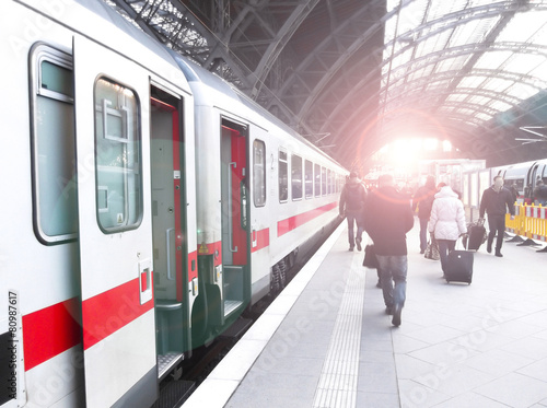 Plakat  Bahnhofsverkehr