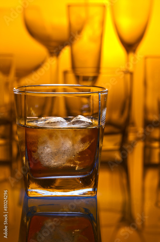 Foto op Canvas Alcohol whiskey withl ice