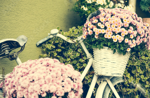Tuinposter Fiets bike with flowers