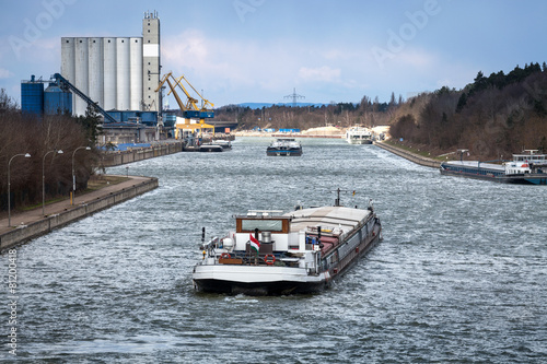 Photo sur Toile Canal Main-Donau-Kanal Hafen Kanal Transport Güter Schiff