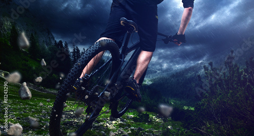 Photo  Mountainbike jump
