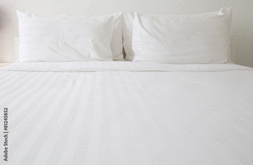 Fototapety, obrazy: White bed sheets and pillows