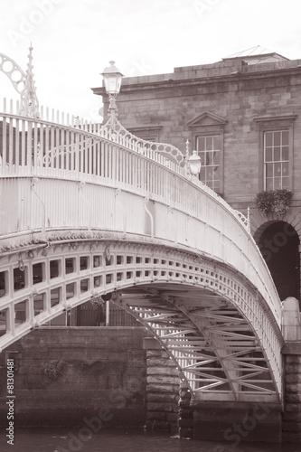 Ha'penny Bridge, River Liffey, Dublin Poster