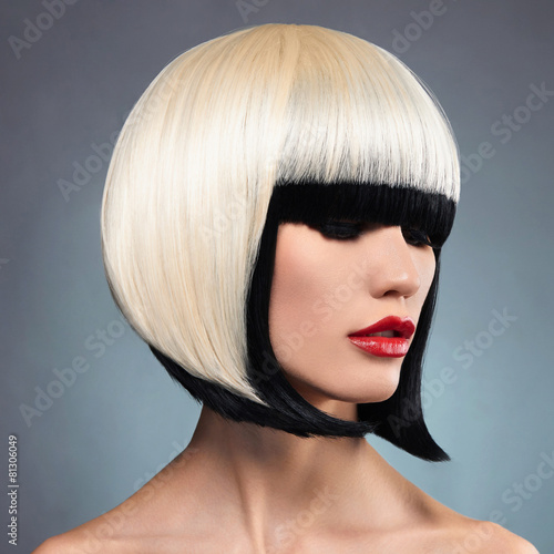 Tuinposter Kapsalon sexy woman with bob hairstyle