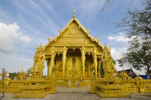 Keuken foto achterwand Temple golden temple, Wat Paknam Joelo, Chachoengsao, Thailand
