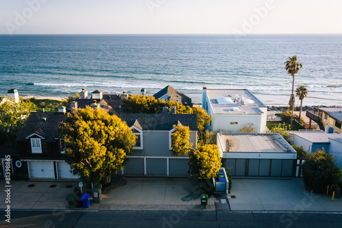 Aluminium Prints Los Angeles View of beachfront homes in Malibu, California.