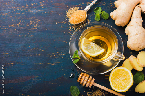 Photo  Cup of Ginger tea with lemon and honey