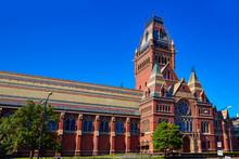 Harvard University Historic Bu...