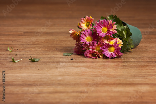 Fotografering  Spilled Flowers