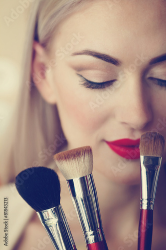 makeup Plakát