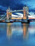 Fototapeta Londyn - Tower Bridge in London, UK, by night