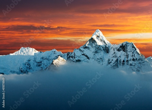 Photo  Evening view of Ama Dablam