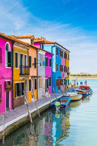 Valokuva Painted houses of Burano, in the Venetian Lagoon, Italy.