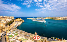 Cruise Liner Leaving Valletta ...