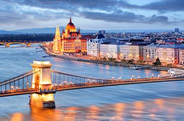 Fototapeta na wymiar Budapest with chain bridge and parliament, Hungary