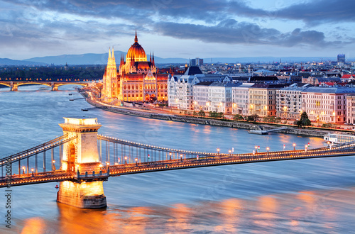 Photo  Budapest with chain bridge and parliament, Hungary