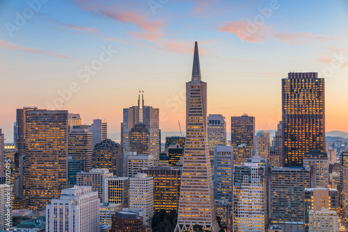 Photo  Beautiful view of  business center in downtown San Francisco