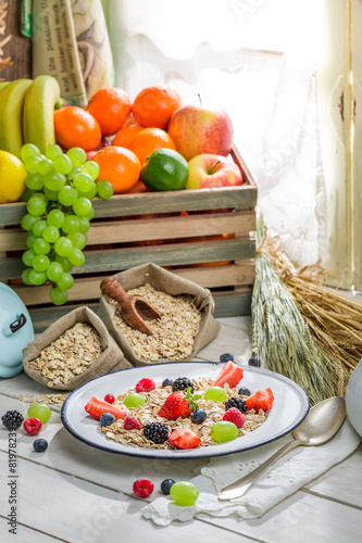 Aluminium Prints Assortment Tasty oat flakes with fresh fruits and milk