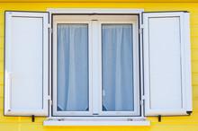 Fenêtre Et Volets En Aluminium