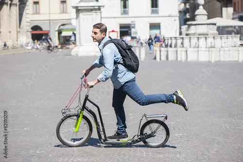 Valokuva  Schollboy on footbike