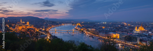 Ingelijste posters Boedapest Budapest panorama with Danube at night