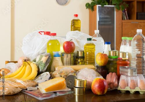 Fototapeta Martwa natura z artykułami spożywczymi supermarketu