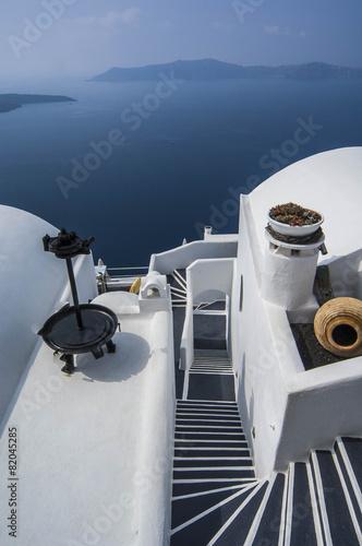 Fototapety, obrazy: SANTORINI/GREECE 7TH NOVEMBER 2006 - Whitewash Houses overlookin