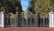 Canada Gate - London