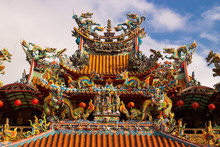 Decoration Of A Temple Rooftop In Taiwan