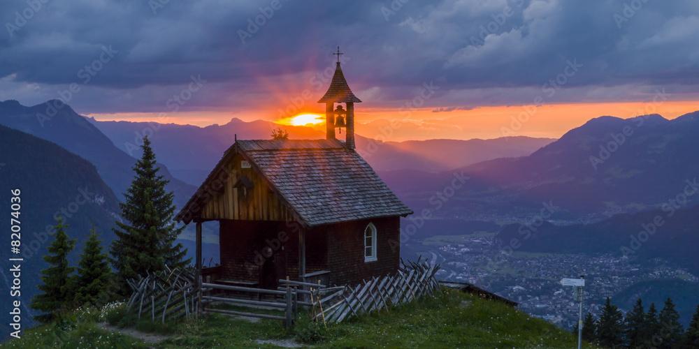 Fototapety, obrazy: Sonnenuntergang in den Bergen